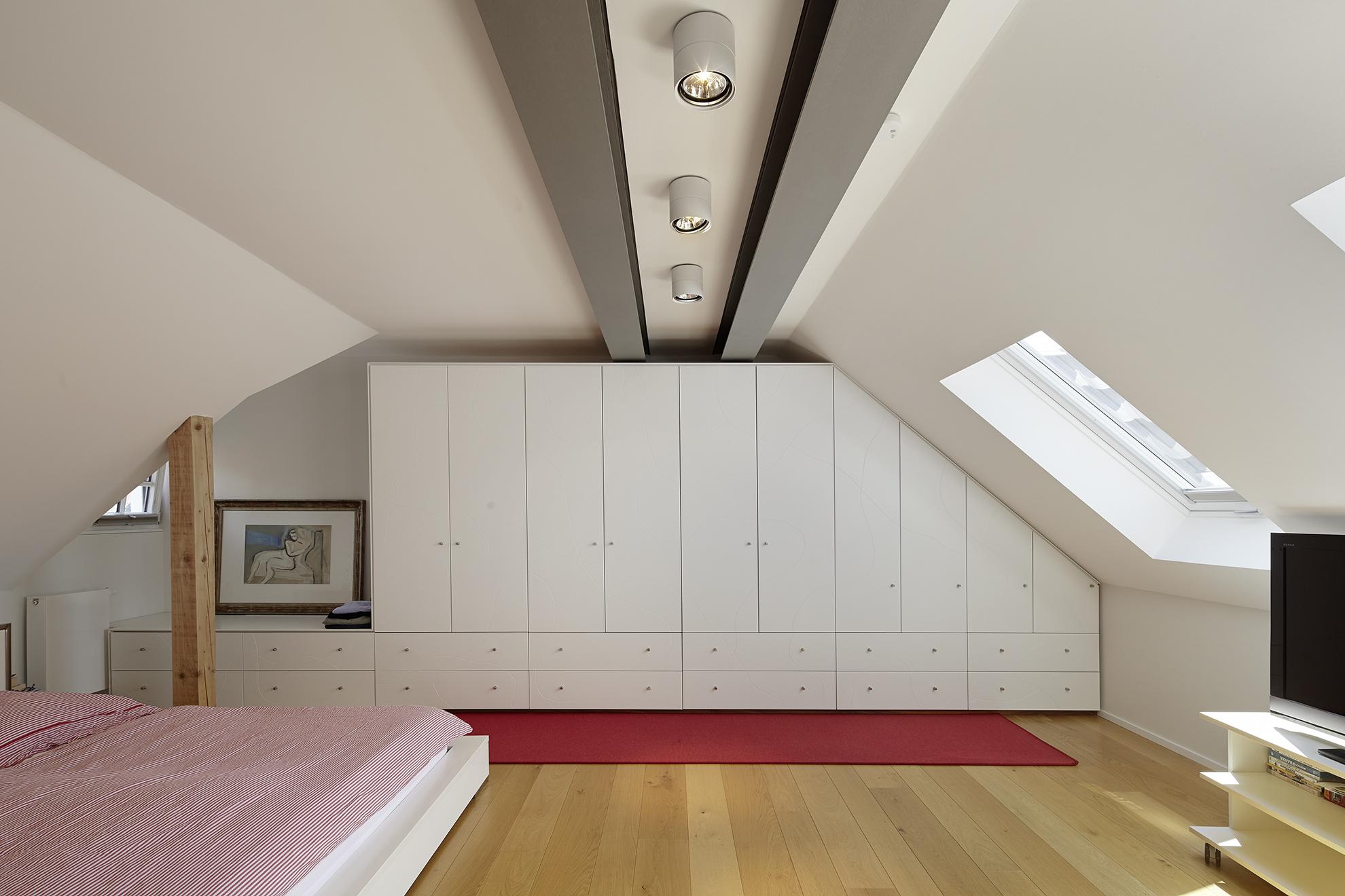 Schlafzimmer im ausgebauten Spitzboden