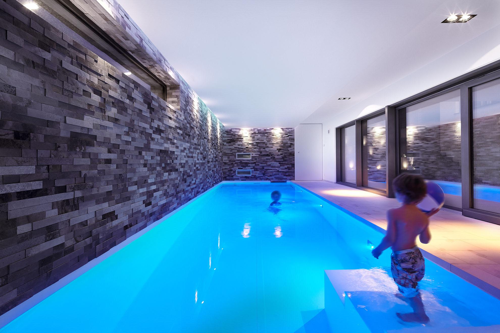 schwimmbad-im-untergeschoss